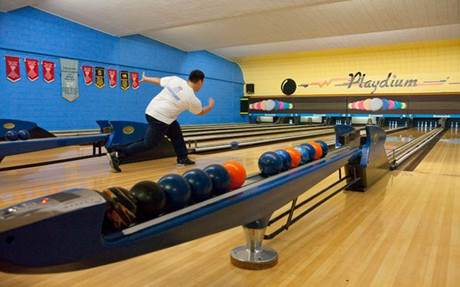 December Bowling Event 0-5 yr age group @ Playdium Lanes | Windsor | Ontario | Canada